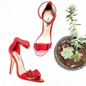 🎉Steve Madden Red Bow Holiday Ankle Strap Heel🎉